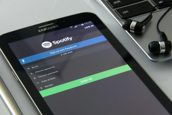 How to Access Spotify Using a VPN Service